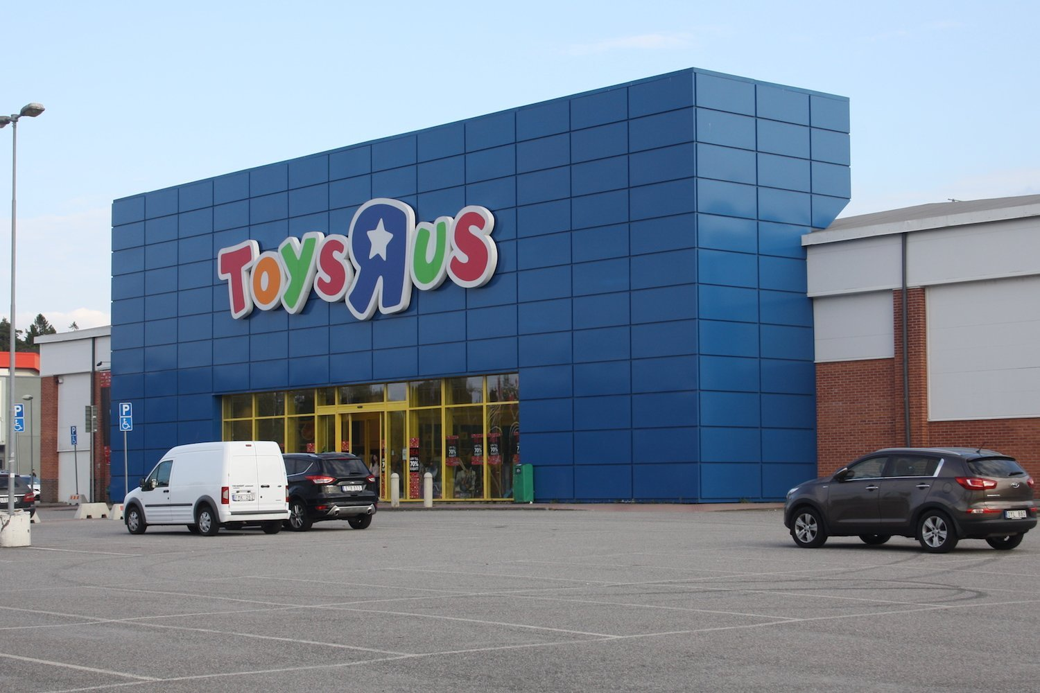 What Toys 'R' Us Should Have Done to Stay in Business